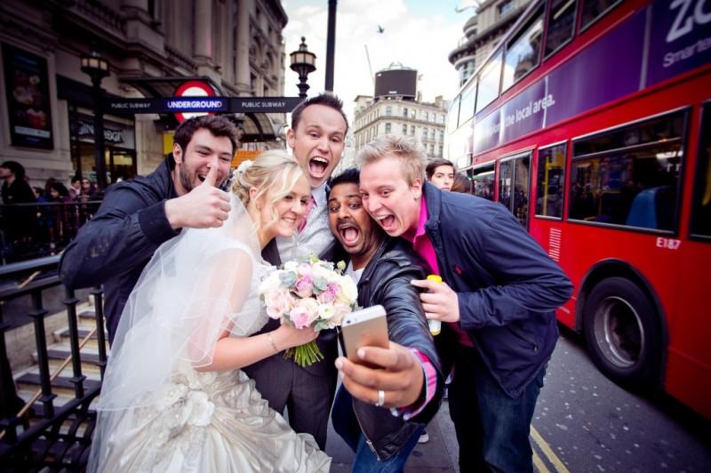 25 ý tưởng chụp ảnh ngày cưới nên thử (1)