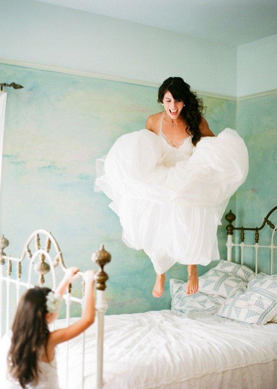 25 ý tưởng chụp ảnh ngày cưới nên thử (19)