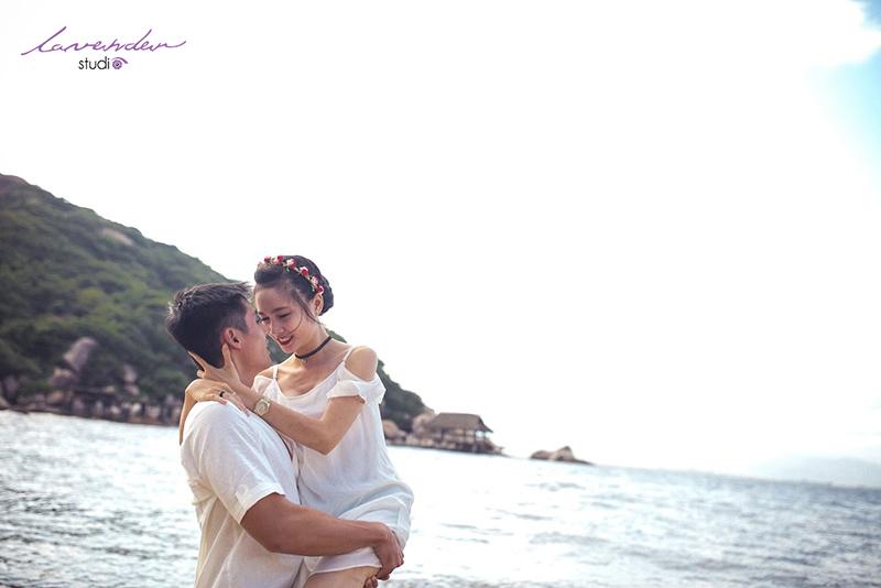 bãi biển hòn chồng rất thích hợp để chụp ảnh cưới