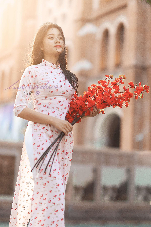 chụp hình áo dài Tết ở nhà thờ đức bà Tp Hồ chí minh