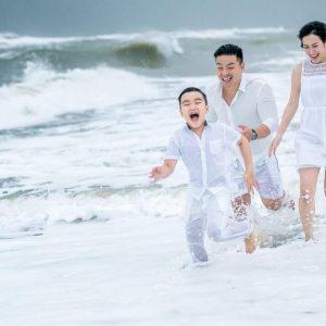 Chụp ảnh tại bãi biển