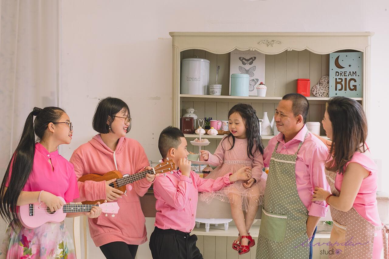 chụp ảnh gia đình đẹp lưu tại lavender studio