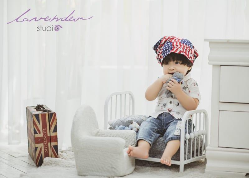 Chụp hình cho bé trai 1 tuổi