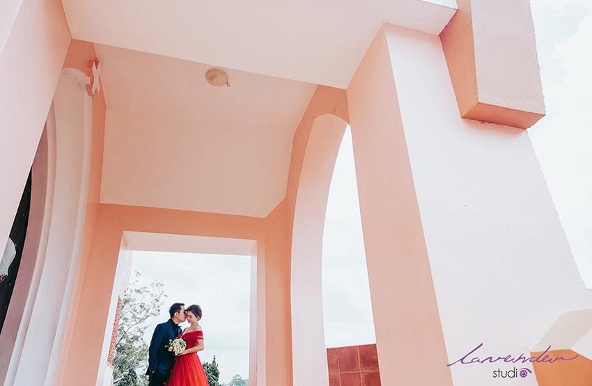 chụp hình cưới ngoài trời