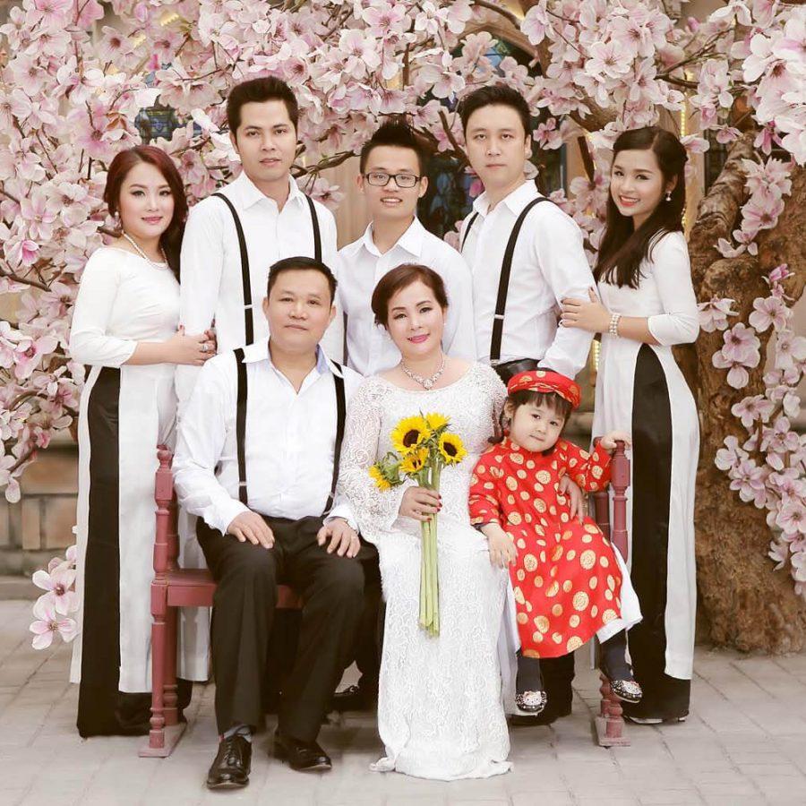 Chụp ảnh gia đình đẹp với áo dài