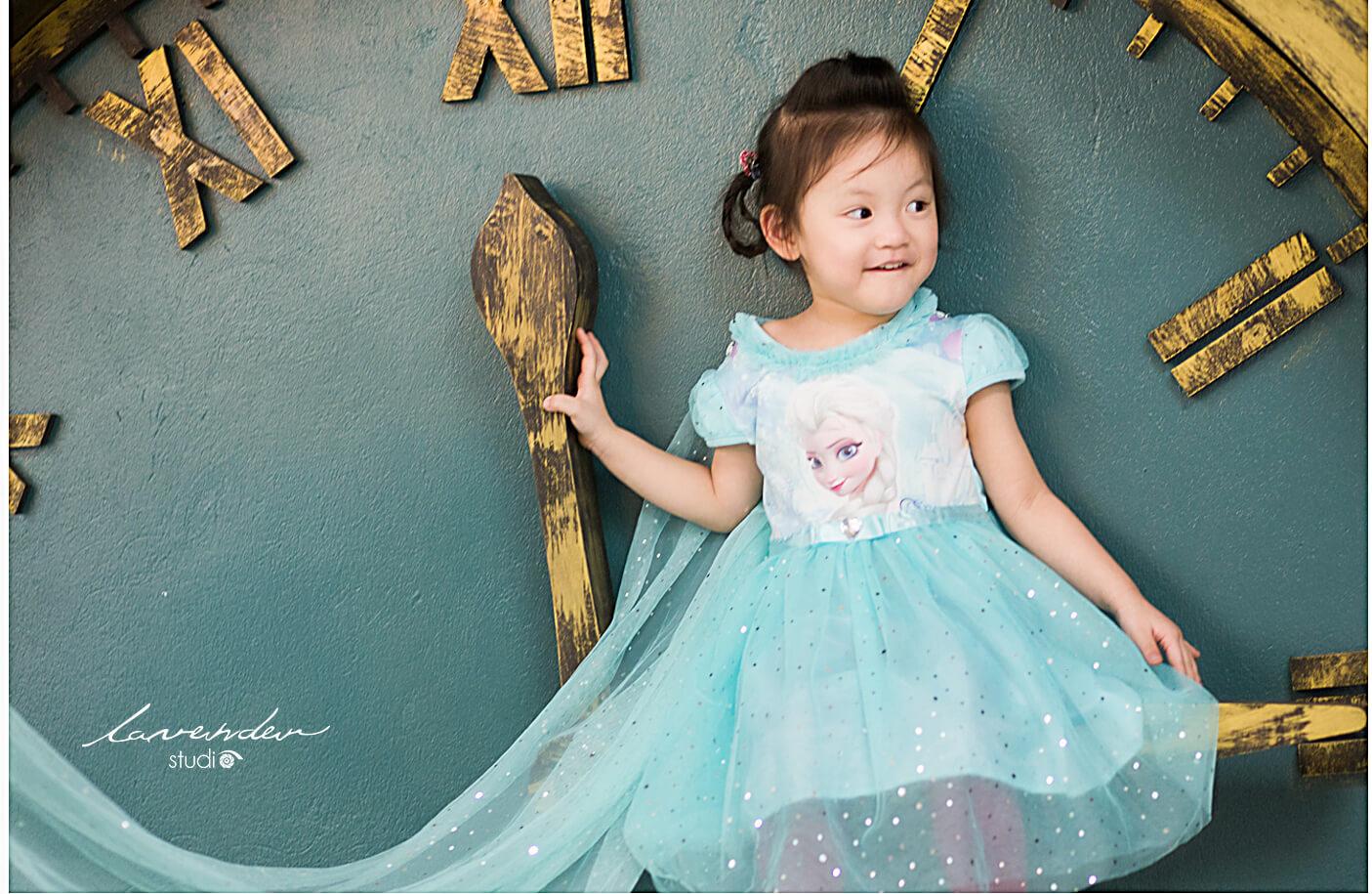cách tạo dáng chụp hình nghệ thuật cho bé