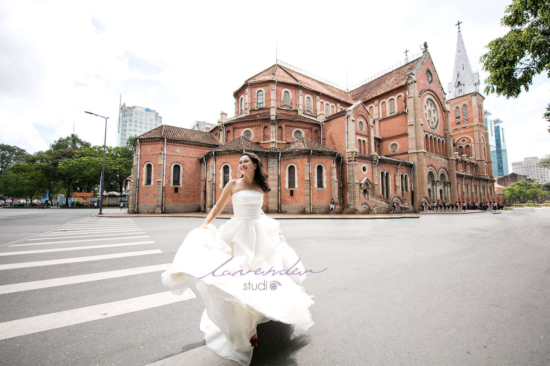 chụp hình cưới đẹp tại Sài gòn cùng lavender studio