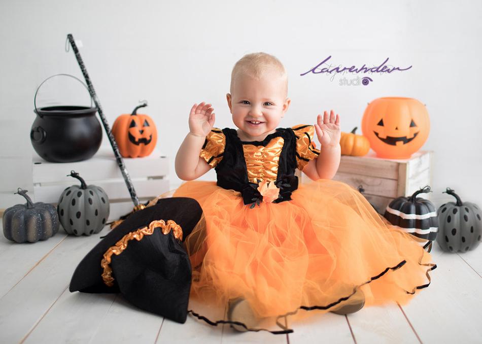 Chụp hình Halloween cho bé