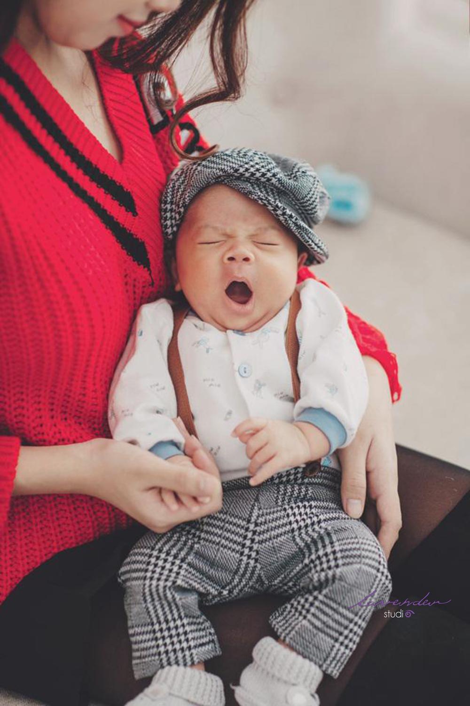 Concept chụp hình giáng sinh cho mẹ và bé