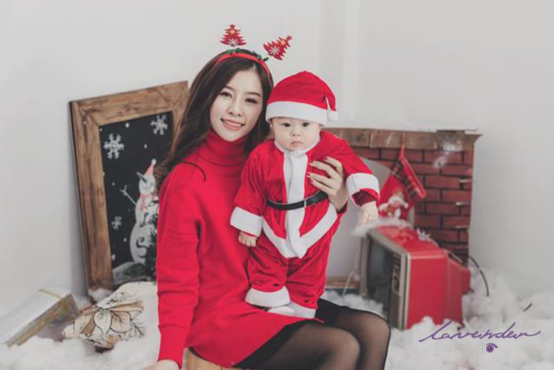 Dịch vụ chụp hình Noel cho mẹ và bé