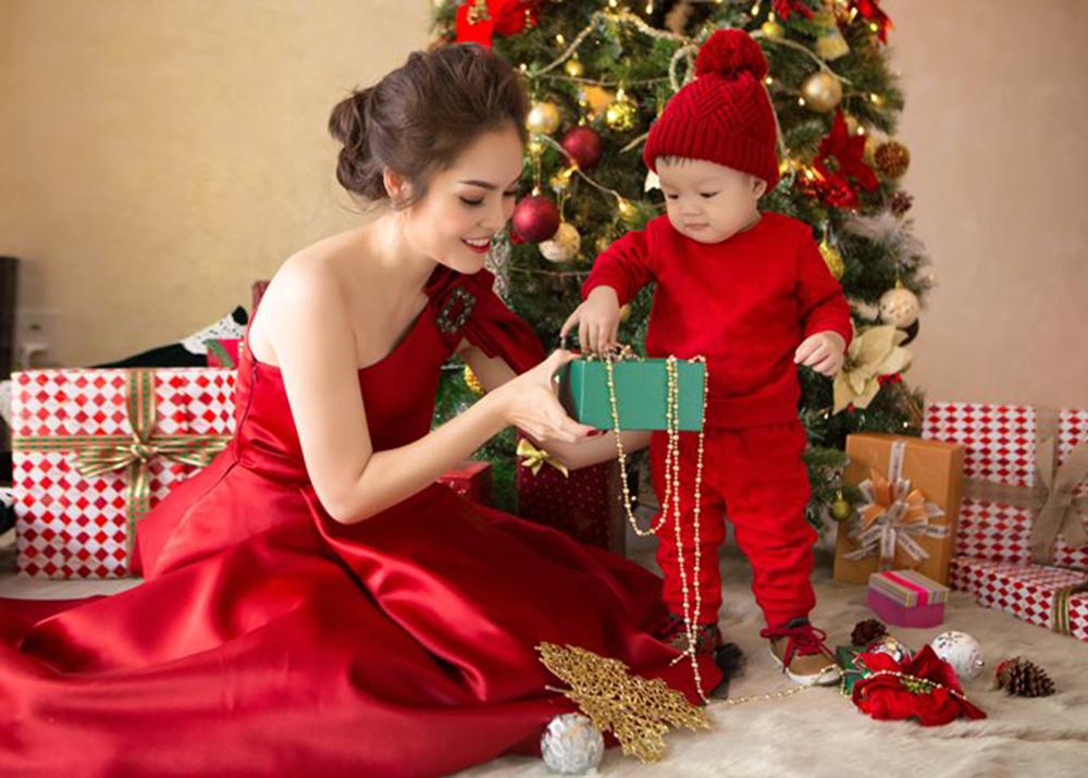 Những ý tưởng chụp hình giáng sinh mẹ và bé