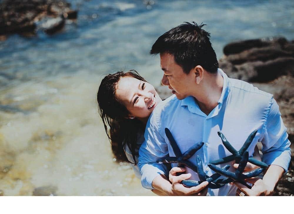 Cách tạo dáng chụp hình cưới ngoại cảnh đẹp và độc đáo ở TPHCM