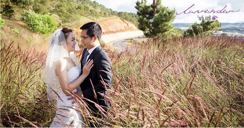 chụp hình cưới đồi cỏ hồng đà lạt