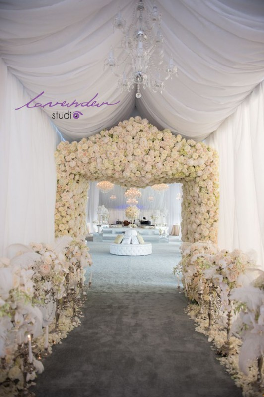 Nhận trang trí trọn gói tiệc cưới