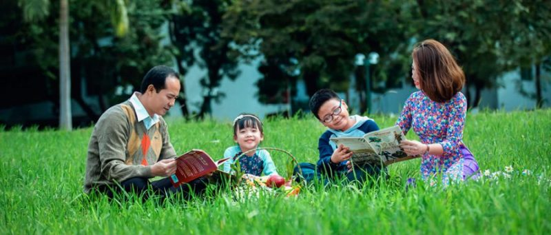 Bài 5 – Chụp ảnh gia đình Tết theo phong cách retro